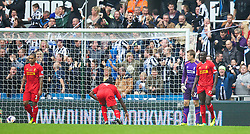 19.10.2013, St. James Park, New Castle, ENG, Premier League, ENG, Premier League, Newcastle United vs FC Liverpool, 8. Runde, im Bild Liverpool's goalkeeper Simon Mignolet looks dejected as Newcastle United score the second goal // during the English Premier League 8th round match between Newcastle United and Liverpool FC St. James Park in New Castle, Great Britain on 2013/10/19. EXPA Pictures © 2013, PhotoCredit: EXPA/ Propagandaphoto/ David Rawcliffe<br /> <br /> *****ATTENTION - OUT of ENG, GBR*****