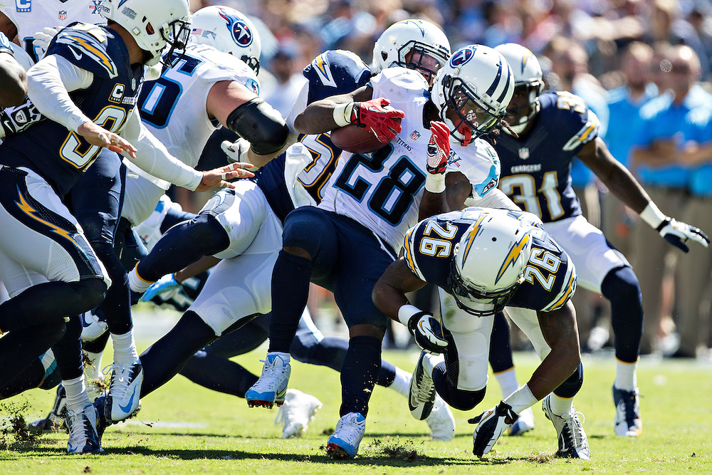 NASHVILLE, TN - SEPTEMBER 22:  Chris Johnson #28 of the Tennessee Titans runs the ball against the San Diego Chargers at LP Field on September 22, 2013 in Nashville, Tennessee.  The Titans defeated the Chargers 20-17.  (Photo by Wesley Hitt/Getty Images) *** Local Caption *** Chris Johnson
