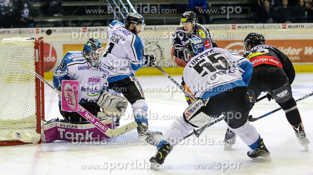 16.10.2015, Messestadion, Dornbirn, AUT, EBEL, Dornbirner Eishockey Club vs EHC Liwest Black Wings Linz, 12. Runde, im Bild v.l. Michael Ouzas , (EHC Liwest Black Wings Linz, #29)Brett Palian, (EHC Liwest Black Wings Linz, #07), Chris D'Alvise, (Dornbirner Eishockey Club, #15)// during the Erste Bank Icehockey League 12th round match between Dornbirner Eishockey Club and EHC Liwest Black Wings Linz ers at the Messestadion in Dornbirn, Austria on 2015/10/16, EXPA Pictures © 2015, PhotoCredit: EXPA/ Peter Rinderer