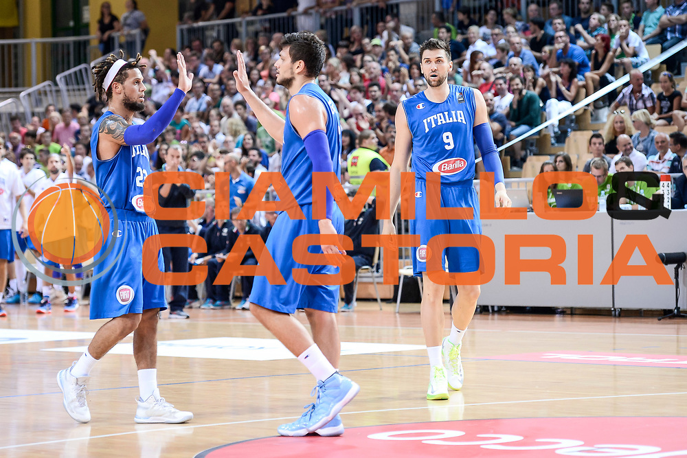 DESCRIZIONE : Capodistria Koper Nazionale Italia Uomini Adecco Cup Italia Italy Slovenia<br /> GIOCATORE : Alessandro Gentile Daniel Hackett<br /> CATEGORIA : Fair Play  Mani <br /> SQUADRA : Italia Italy<br /> EVENTO : Adecco Cup<br /> GARA : Italia Italy Slovenia<br /> DATA : 23/08/2015<br /> SPORT : Pallacanestro<br /> AUTORE : Agenzia Ciamillo-Castoria/M.Ozbot<br /> Galleria : FIP Nazionali 2015<br /> Fotonotizia : Capodistria Koper Nazionale Italia Uomini Adecco Cup Italia Italy Slovenia