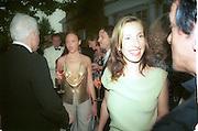 Steve Martin, Stella McCartney and Sam Taylor-Wood, 30th Aniversary Gala Dinner, Serpentine Gallery.20 June 2000<br /> © Copyright Photograph by Dafydd Jones 66 Stockwell Park Rd. London SW9 0DA Tel 020 7733 0108 www.dafjones.com