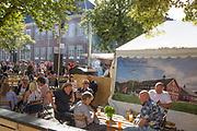 uteservering langs bodene i Munkegata under Olavsfestdagene og matfestivalen i Trondheim.