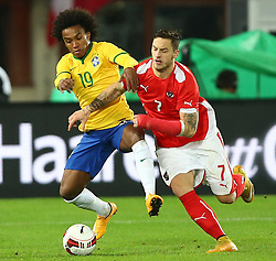 18.11.2014, Ernst Happel Stadion, Wien, AUT, Freundschaftsspiel, Oesterreich vs Brasilien, im Bild William (BRA) und Marko Arnautovic (AUT) // during the friendly match between Austria and Brasil at the Ernst Happel Stadion, Vienna, Austria on 2014/11/18. EXPA Pictures © 2014, PhotoCredit: EXPA/ Thomas Haumer
