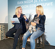 2018, Oktober 23. Soho House, Amsterdam. Boekpresentatie van Dan Neem Je Toch Gewoon Een Nieuwe, van Antoinette Scheulderman. Op de foto: Eva Jinek,  Antoinnette Scheulderman en Dizzy