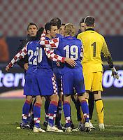 Fussball International, Nationalmannschaft   EURO 2012 Play Off, Qualifikation, Kroatien - Tuerkei       15.11.2011 Ivan Perisic, Domagoj Vida, Stipe Pletikosa (v. li., Kroatien)