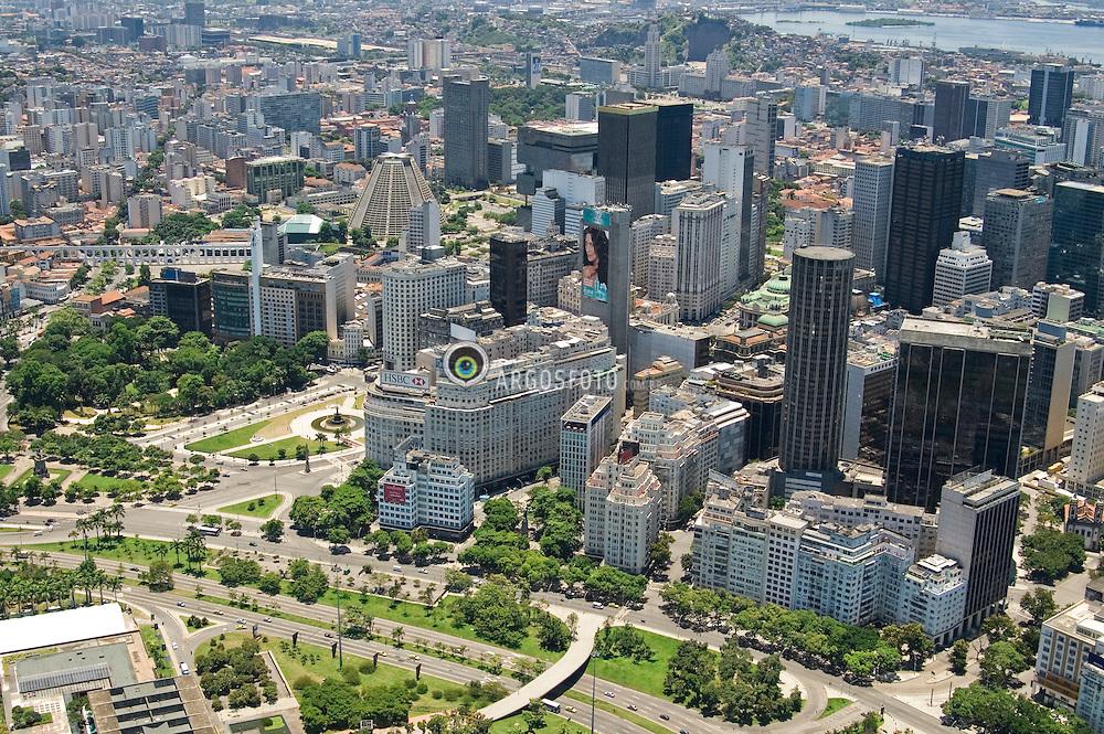 Vista aerea do centro do Rio de Janeiro / Aerial view of Rio de Janeiro downtown.