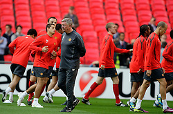 27.05.2011, Wembley Stadium, London, ENG, UEFA Champions League Final, FC Barcelona vs Manchester United, Training Manchester United, im Bild .Sir Alex Fergusson Manager  and the squad of   Manchester Utd  at the training at The Wembley  Stadium for the Champions League Final between Barcelona and Manchester United at the Wembley Stadium  in London    on 27/05/2011. EXPA Pictures © 2011, PhotoCredit: EXPA/ IPS/ Marcello Pozzetti +++++ ATTENTION - OUT OF ENGLAND/UK and FRANCE/FR +++++