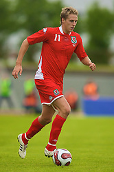 REYKJAVIK, ICELAND - Wednesday, May 28, 2008: Wales' David Edwards in action against Iceland during the international friendly match at the Laugardalsvollur Stadium. (Photo by David Rawcliffe/Propaganda)