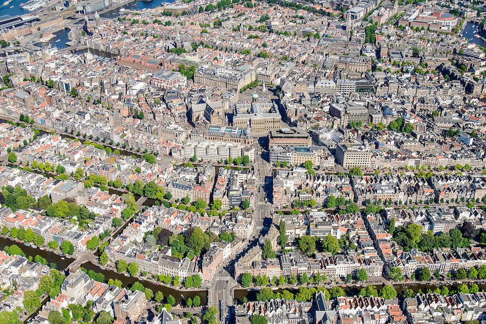 Nederland, Noord-Holland, Amsterdam, 01-08-2016; westelijk deel van de grachtengordel met Westermarkt en Westertoren, Raadhuisstraat en onder andere Prinsengracht.<br /> Western part of the belt of canals.<br /> luchtfoto (toeslag op standard tarieven);<br /> aerial photo (additional fee required);<br /> copyright foto/photo Siebe Swart
