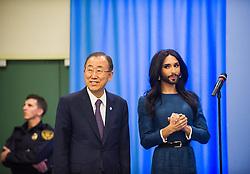 03.11.2014, Vienna International Center, Wien, AUT, UNO, Auftritt von Conchita Wurst vor Ban Ki Moon, im Bild v.l.n.r. UNO-Generalsekretär Ban Ki Moon und Conchita Wurst // f.l.t.r. UN Secretary-General Ban Ki-moon and austrian singer Conchita Wurst during concert for Ban Ki Moon at Vienna International Centre in Vienna, Austria on 2014/11/03, EXPA Pictures © 2014, PhotoCredit: EXPA/ Michael Gruber
