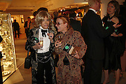 lady Wyatt and Kati Zoob, Gala champagne reception and dinner in aid of CLIC Sargent.  Grosvenor House Art and Antiques Fair.  Grosvenor House. Park Lane. London. 15  June 2006. ONE TIME USE ONLY - DO NOT ARCHIVE  © Copyright Photograph by Dafydd Jones 66 Stockwell Park Rd. London SW9 0DA Tel 020 7733 0108 www.dafjones.com
