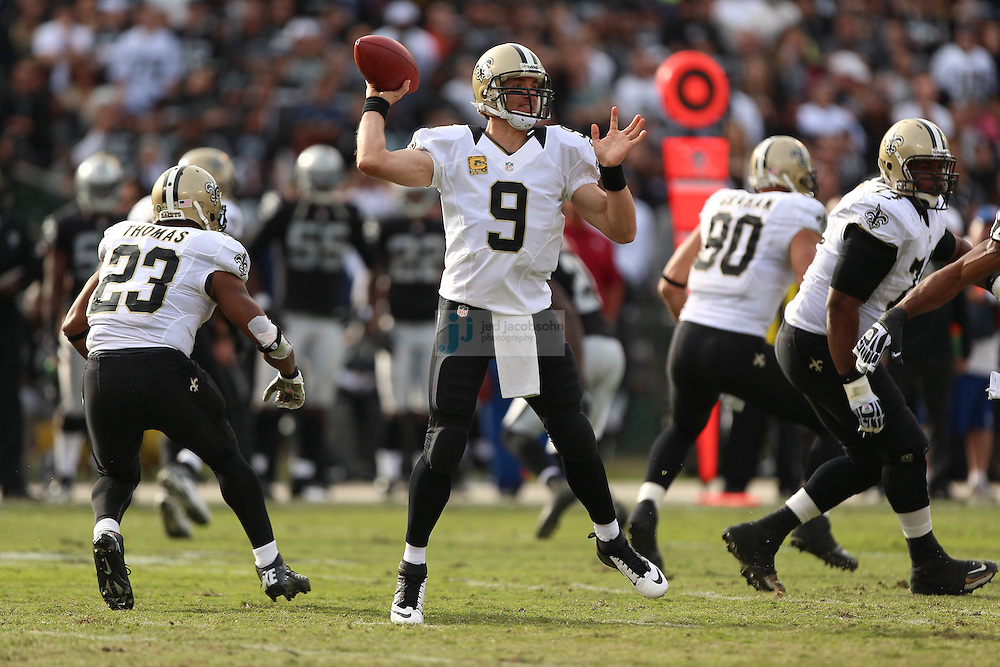New Orleans Saints quarterback Drew Brees (9) in action against the Oakland Raiders during an NFL game on Sunday, Nov. 18, 2012 at the Oakland Coliseum in Oakland, Ca. (AP Photo/Jed Jacobsohn)