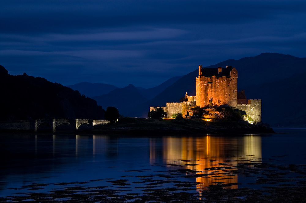 Darkness and spotlighting shows the Castle off in spectacular style.