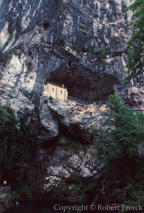 SPAIN, NORTH, ASTURIAS Covadonga Basilica, Pelayo tomb