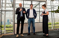 28-03-2018 NED: Kickstart Food van Rabobank, Utrecht<br /> A clever mix of the tastiest seasonal vegetables for the sports public, coming from Dutch local companies. That is the core of the new food program that enables Rabobank and the Nevobo at the Moestuin in Utrecht / (L-R) Michel Everaert, Tom van Kuyk (Sponsorship strategist Rabobank) and presenter Sofie van den Enk