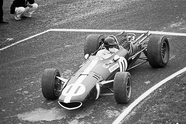 Dan Gurney in his Formula One Eagle-Weslake at the 1967 United States Grand Prix, Watkins Glen, NY