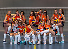 20191224 NED: Photoshoot selection of Orange Youth Girls, Arnhem