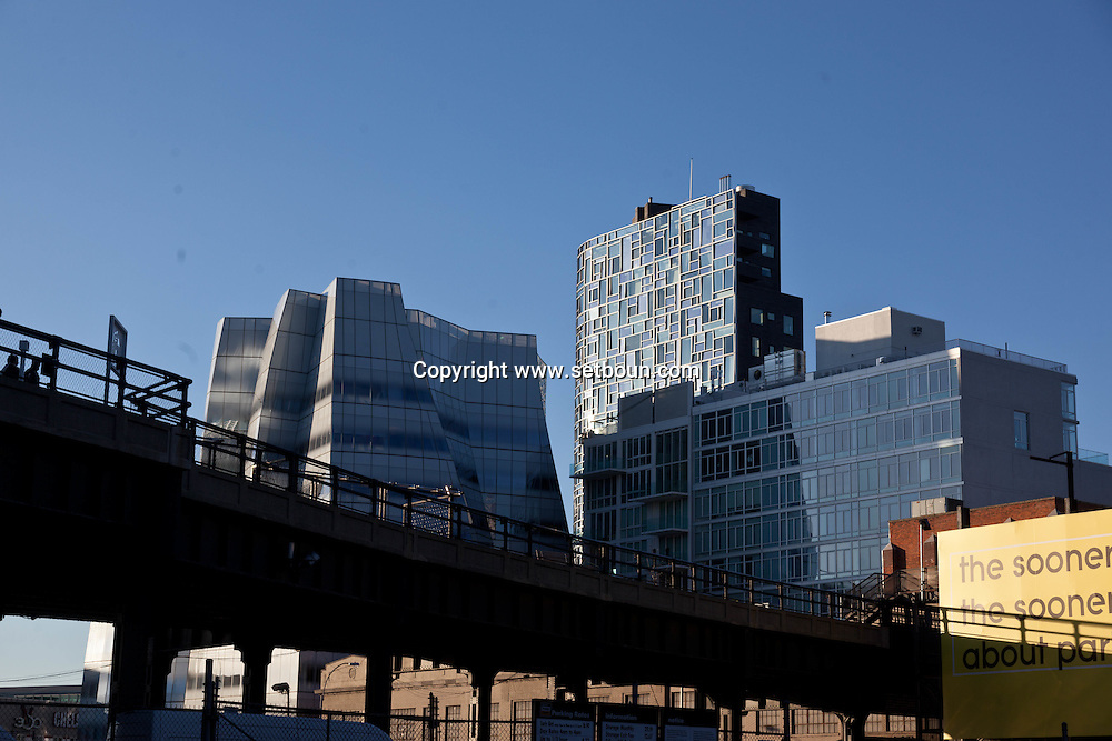 New York  IAC building and the High line. by the architect Frank Gehry s design for InterActiveCorp s New York headquarters, built on the West Side Highway near the Chelsea Piers complex.Ship of Glass for Chelsea Waterfront