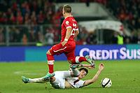 Bern, 12.10.2012, Fussball WM 2014 Quali, Schweiz - Norwegen, Xherdan Shaqiri (SUI) gegen Havard Nordtveit (NOR) (Pascal Muller/EQ Images)