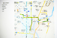 Läraren Shuji Akagi, 47, laddar upp data från dagens mätning på Safe Casts hemsida. Fukushima City, Japan