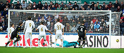 08.12.2012, Liberty Stadion, Swansea, ENG, Premier League, Swansea City vs Norwich City, 16. Runde, im Bild Norwich City's captain Grant Holt scores the third goal against Swansea City during the English Premier League 16th round match between Swansea City AFC and Norwich City FC at the Liberty Stadium, Swansea, Great Britain on 2012/12/08. EXPA Pictures © 2012, PhotoCredit: EXPA/ Propagandaphoto/ David Rawcliffe..***** ATTENTION - OUT OF ENG, GBR, UK *****