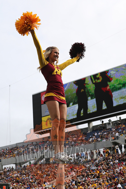 ORLANDO, FL - JANUARY 01:  Minnesota Golden Gophers cheerleaders perform during the Buffalo Wild Wings Citrus Bowl against the Missouri Tigers at the Florida Citrus Bowl on January 1, 2015 in Orlando, Florida. (Photo by Alex Menendez/Getty Images) *** Local Caption ***