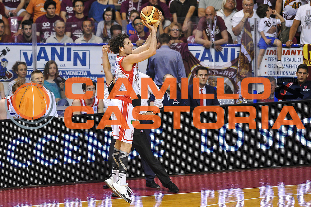DESCRIZIONE : Campionato 2014/15 Serie A Beko Grissin Bon Reggio Emilia - Umana Reyer Venezia Semifinale Playoff Gara1<br /> GIOCATORE : Amedeo Della Valle<br /> CATEGORIA : Tiro Tre Punti Three Point<br /> SQUADRA : Grissin Bon Reggio Emilia<br /> EVENTO : LegaBasket Serie A Beko 2014/2015<br /> GARA : Grissin Bon Reggio Emilia - Umana Reyer Venezia Semifinale Playoff Gara1<br /> DATA : 30/05/2015<br /> SPORT : Pallacanestro <br /> AUTORE : Agenzia Ciamillo-Castoria/A.Scaroni