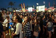 6月30日,民众拥挤在626夜市。当天 ,在美国洛杉矶阿卡迪亚市的圣安娜公园举行626夜市。上百个美食摊位、汇集了洛杉矶周围几乎所有的华人小吃,吸引大批民众参与。新华社发 (赵汉荣摄)<br /> The crowd thicken in front of the food stalls as nightfall at the '626 Night Market' on June 30, 2017 in Arcadia, Caliifronia, the United States. 626 Night Market IS an event that attracts all generations of the Chinese American community and showcases many San Gabriel Valley food vendors. (Xinhua/Zhao Hanrong)(Photo by Ringo Chiu)<br /> <br /> Usage Notes: This content is intended for editorial use only. For other uses, additional clearances may be required.