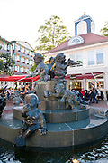 Jungbrunnen, moderner Brunnen, Bad Harzburg, Harz, Niedersachsen, Deutschland | fountain of youth, Bad Harzburg, Harz, Lower Saxony, Germany