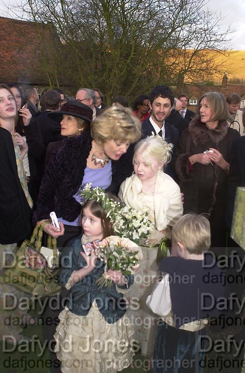 Marriage of Emily Mortimer, ( daughter of John Mortimer ) to Alessandro Nivola, Turville.© Copyright Photograph by Dafydd Jones 66 Stockwell Park Rd. London SW9 0DA Tel 020 7733 0108 www.dafjones.com