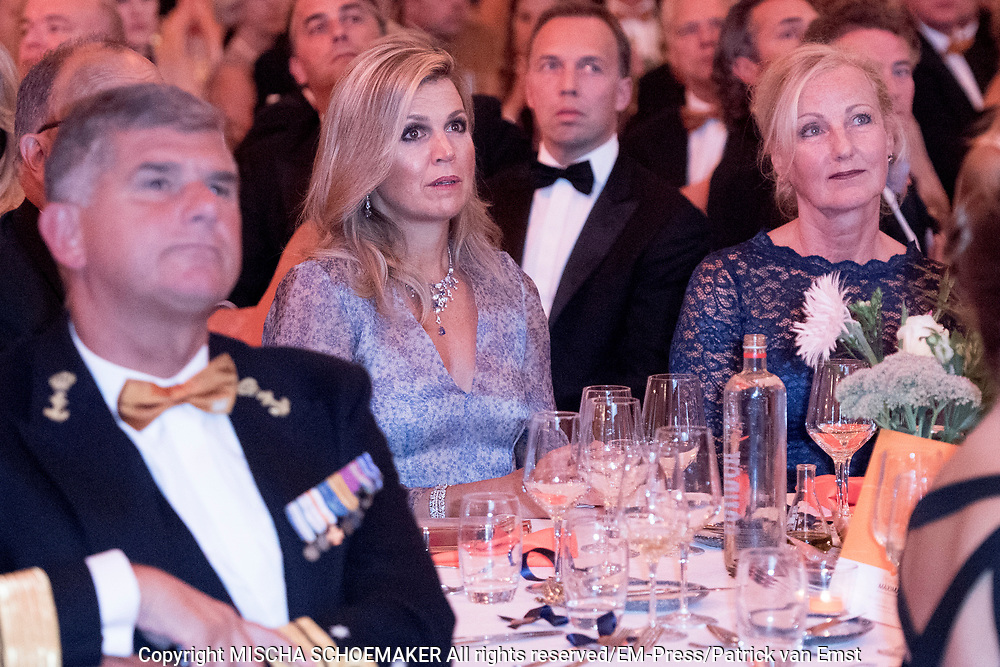 Koningin Máxima aanwezig bij benefietgaladiner Prinses Máxima Centrum in het Concertgebouw Amsterdam<br /> <br /> Queen Máxima attends at beneficial gala dinnerfor the  Princess Máxima Center in the Concertgebouw Amsterdam<br /> <br /> Op de foto / On the photo: Koningin Máxima