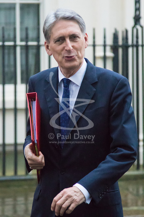 Downing Street, London, December 8th 2015. Foreign Secretary Philip Hammond leaves Downing Street after senior cabinet ministers met during the afternoon. ///FOR LICENCING CONTACT: paul@pauldaveycreative.co.uk TEL:+44 (0) 7966 016 296 or +44 (0) 20 8969 6875. ©2015 Paul R Davey. All rights reserved.