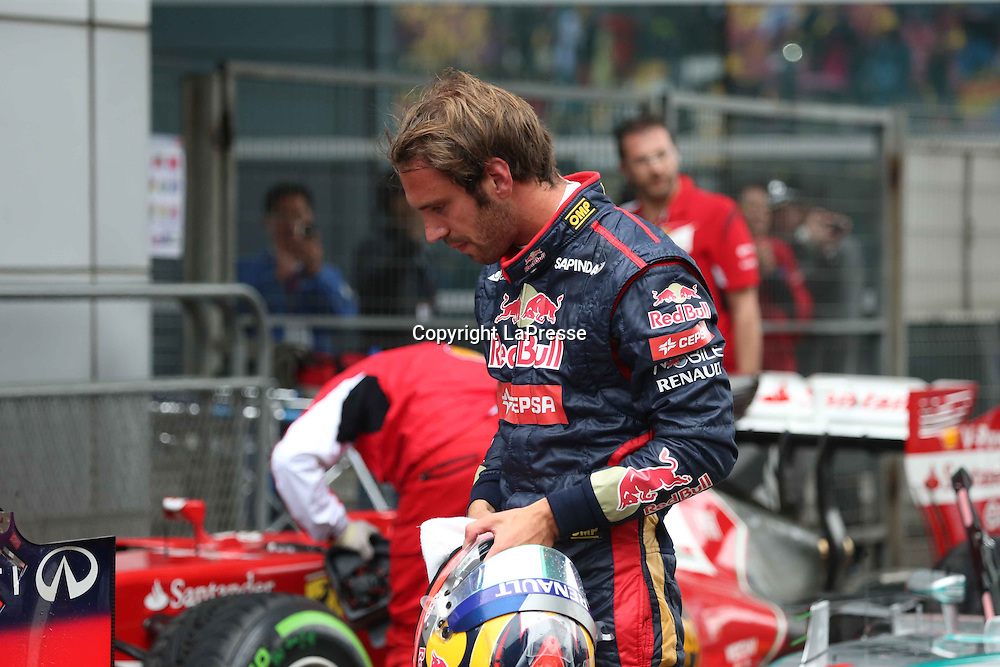 &copy; Photo4 / LaPresse<br /> 19/4/2014 Shanghai, China<br /> Sport <br /> Grand Prix Formula One China 2014<br /> In the pic: Qualifying, Jean-Eric Vergne (FRA) Scuderia Toro Rosso STR9
