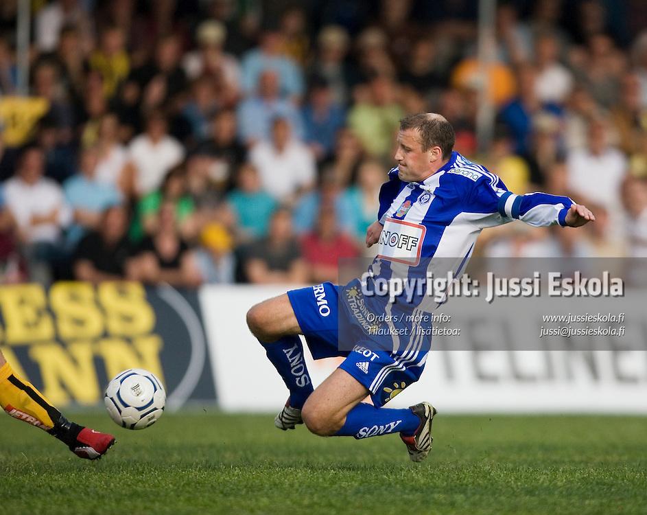 Mika Nurmela. Honka-HJK, Veikkausliiga, Tapiola 27.5.2007. Photo: Jussi Eskola