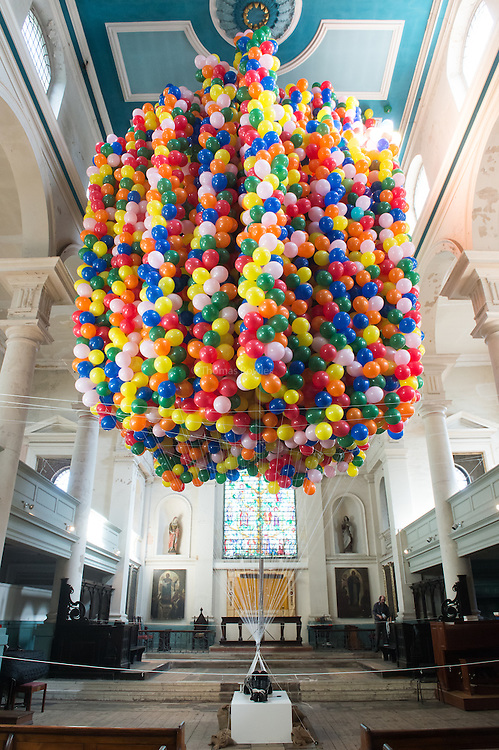 Cherophobia - . As part of the Southbank Centre's Unlimited Festival performer  Noëmi Lakmaier is suspended from 20 000 balloons over a period of 48 hours.