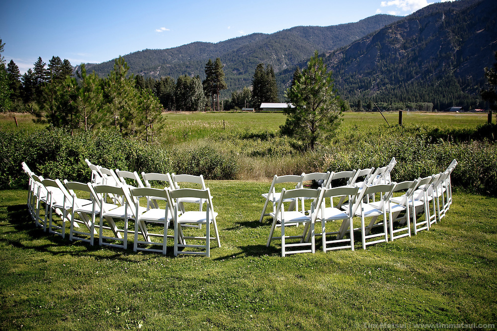 Wedding of Marshall and Megan in rural Mazama, Washington.