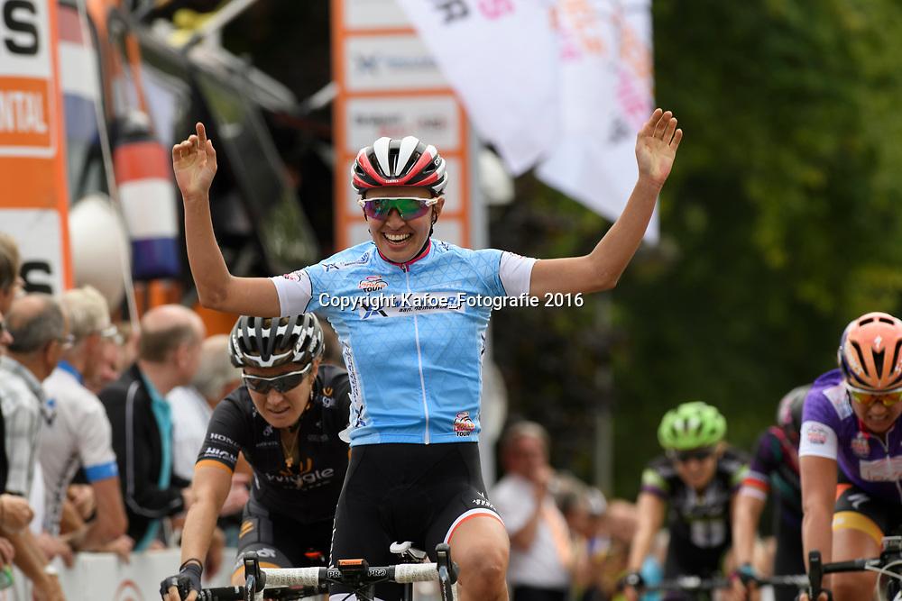 01-09-2016: Wielrennen: Ladies Tour: Sittard<br /> SITTARD (NED) wielrennen<br /> Kasia Niewiadoma wint de zware 3e etappe in het heuvelland rond Sittard
