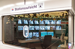 THEMENBILD - Stationsaufsicht bei den Wiener Linien mit Überwachungsbildschirmen, aufgenommen am 03. Juli 2017, Wien, Österreich // Station supervision at Wiener Linien with monitoring screens, Vienna, Austria on 2017/07/03. EXPA Pictures © 2017, PhotoCredit: EXPA/ JFK