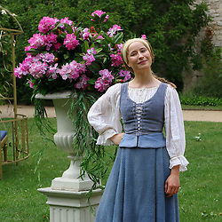 "16.06.2015, Belvedere auf dem Pfingstberg, Potsdam, GER, ACE, ARD Märchen, Der Prinz im Bärenfell, Fototermin, im Bild Mira Elisa Goeres spielt die schoene Elise // during a photocall for the German TV fairy tale movie ""The Prince in bearskin rug"" at Belvedere auf dem Pfingstberg in Potsdam, Germany on 2015/06/16. EXPA Pictures © 2015, PhotoCredit: EXPA/ Eibner-Pressefoto/ Hundt<br /> <br /> *****ATTENTION - OUT of GER*****"