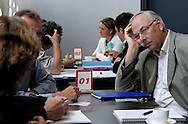 """Foto: Gerrit de Heus. Utrecht. 14/06/05. """"Morgen wordt het beter..."""" , slotconferentie over werkdruk, verzuim en reintegratie bij universiteiten, hogescholen en onderzoeksinstellingen."""