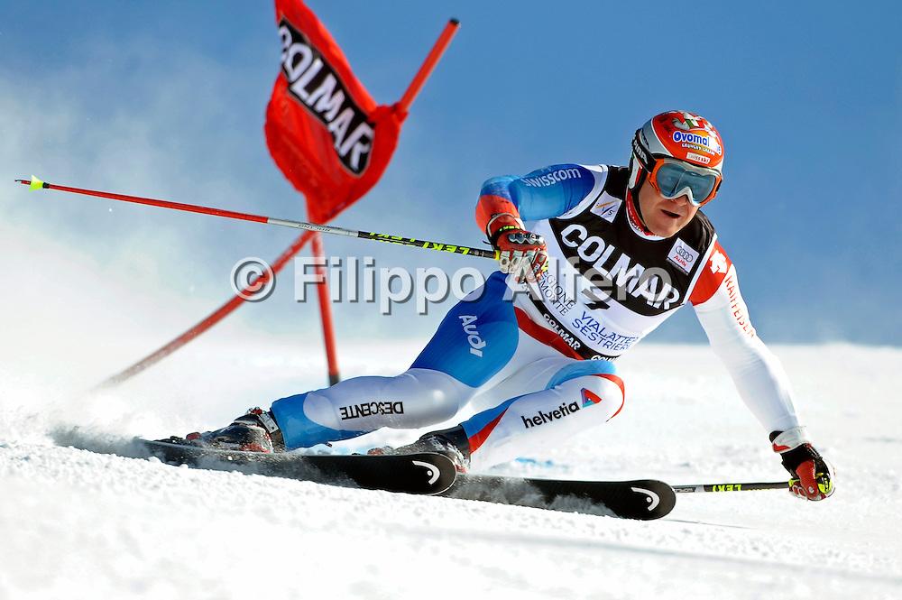 &copy; Filippo Alfero<br /> Sestriere (TO), 21/02/2009<br /> sport , sci alpino<br /> Coppa del Mondo di Sci 2008/2009 - Sestriere - Slalom Gigante<br /> Nella foto: Didier Cuche (SUI) - primo classificato<br /> <br /> &copy; Filippo Alfero<br /> Sestriere, Italy, 21/02/2009<br /> sport, alpine ski<br /> FIS Ski World Cup 2008/2009 - Sestriere - Giant Slalom<br /> In the photo: Didier Cuche (SUI) - first classified