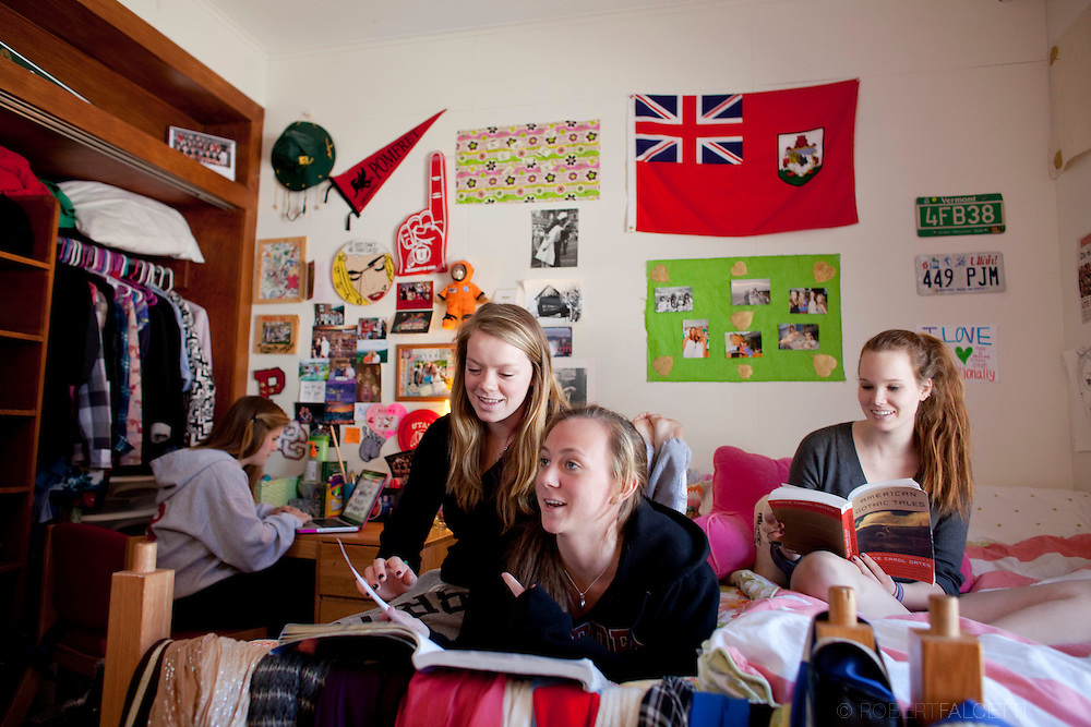 The Pomfret School, Pomfret, CT. 2010-2011. Girls dorm room on the campus of the Pomfret School, a New England college preparatory boarding and day school. (Photo by Robert Falcetti).Admissions marketing & communications  photography-New England Private Independent School - New England Boarding Schools viewbook image. .