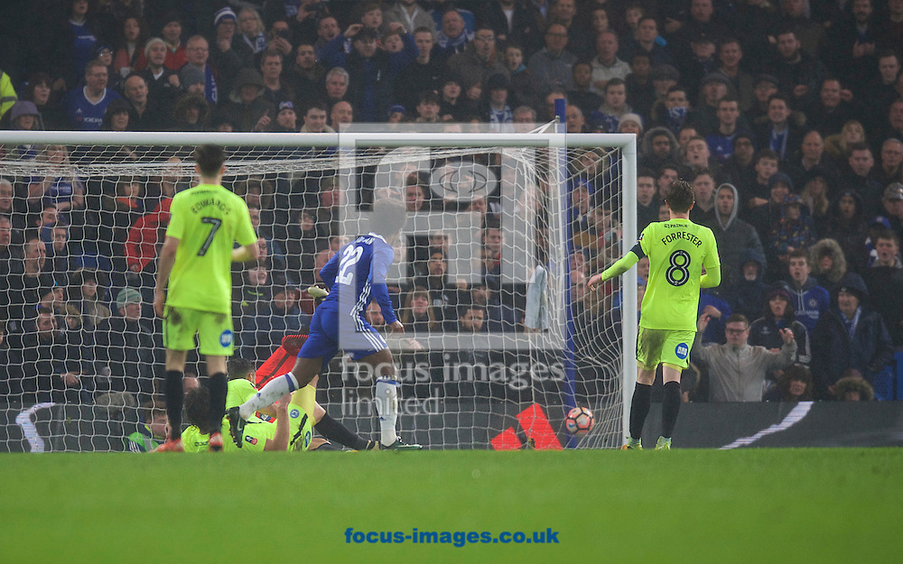 Willian of Chelsea scores his side's 3rd goal to make it 3-0 during the third round of the FA Cup at Stamford Bridge, London<br /> Picture by Alan Stanford/Focus Images Ltd +44 7915 056117<br /> 08/01/2017