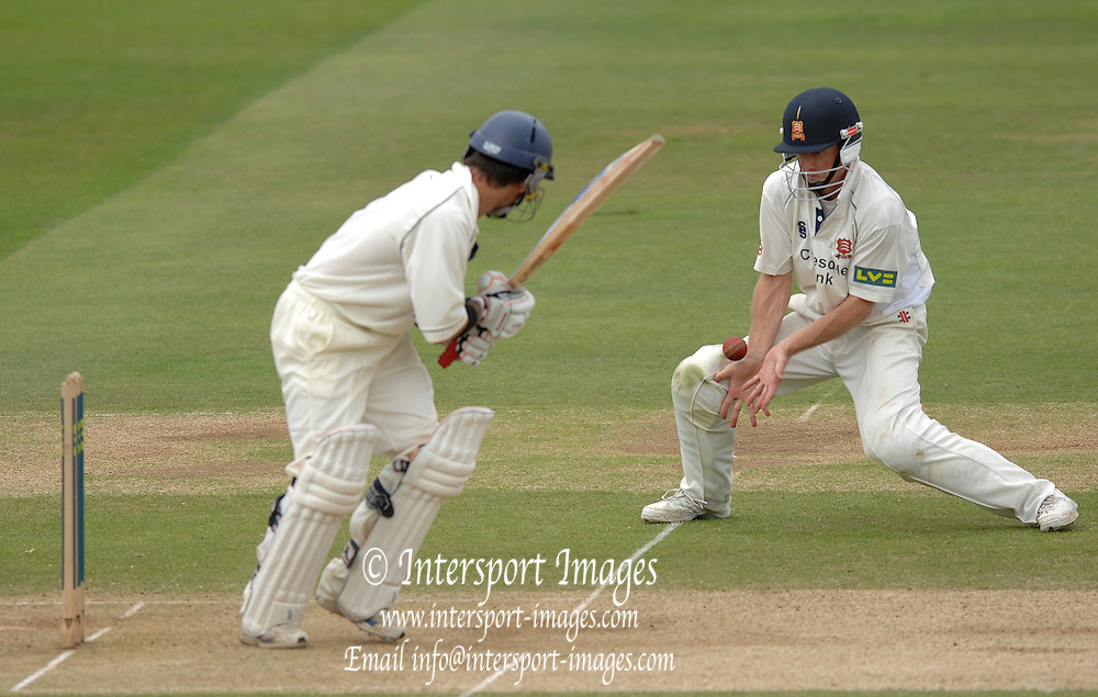 London, GREAT BRITAIN, Grant FLOWER catches the ball after Ben SCOTT cuts into the ground, during the Liverpool Victoria Div 2 County championship match between  Middlesex vs Essex, at Lord's Cricket Ground, England on the 3rd days play  Sun 17.06.2007  [Photo, Peter Spurrier/Intersport-images].....