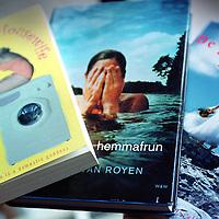 """Nederland. amsterdam. 26 februari 2002.<br /> Vertalingen van het boek """"de gelukkige huisvrouw"""" van de schrijfster Heleen van Royen.<br /> Foto: Jean-Pierre Jans"""