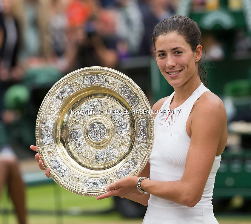 GARBI&Ntilde;E MUGURUZA (ESP), Endspiel, Final,Siegerehrung,Praesentation<br /> <br /> <br /> Tennis - Wimbledon 2016 - Grand Slam ITF / ATP / WTA -  AELTC - London -  - Great Britain  - 15 July 2017.