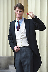 December 20, 2018 - London, London, United Kingdom - Image licensed to i-Images Picture Agency. 20/12/2018. London, United Kingdom. William Fox-Pitt  with his award after an Investiture at Buckingham Palace in London. (Credit Image: © Pool/i-Images via ZUMA Press)