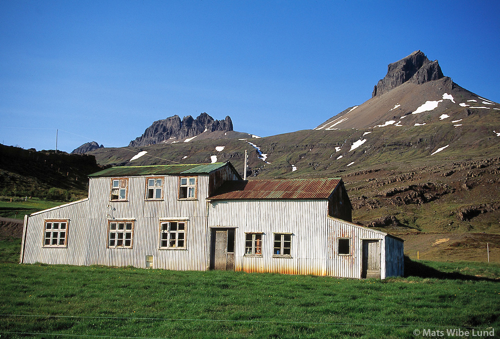 Eyðibýli á bænum Skáli, Beruneshreppur. Austurlandi..Deserted farm in Skali, Beruneshreppur.