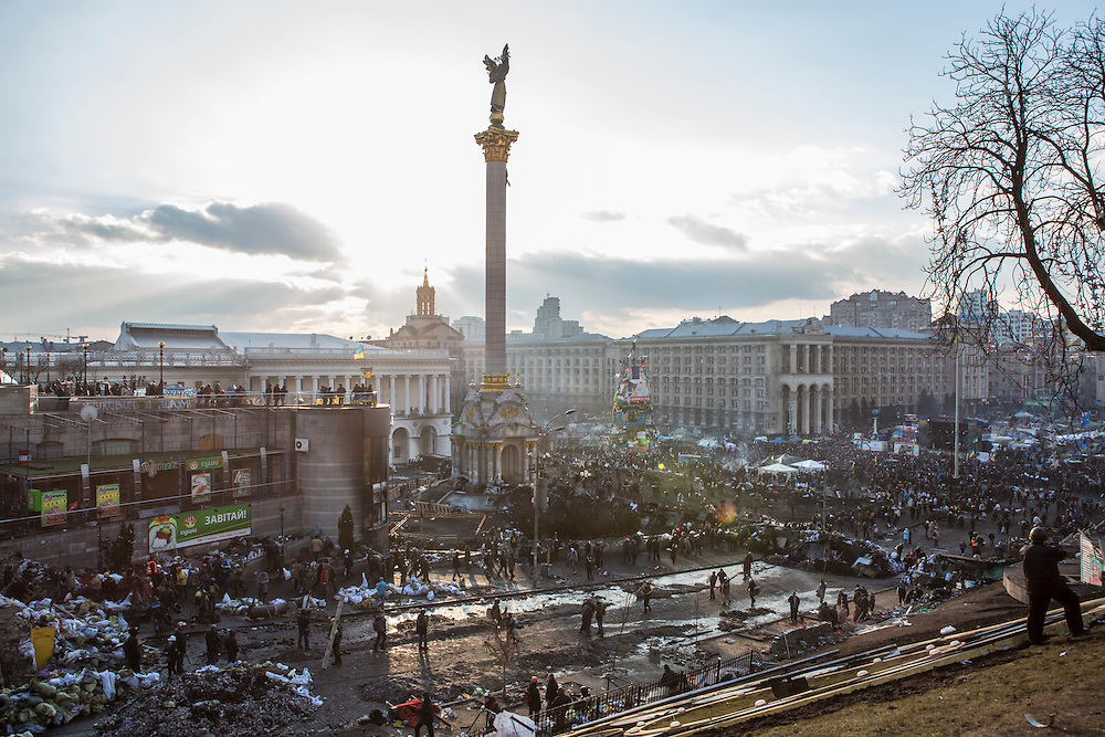 KIEV, UKRAINE - FEBRUARY 20: The afternoon sun shines over Independence Square on February 20, 2014 in Kiev, Ukraine. After several weeks of calm, violence has again flared between anti-government protesters and police, with dozens killed. (Photo by Brendan Hoffman/Getty Images) *** Local Caption ***
