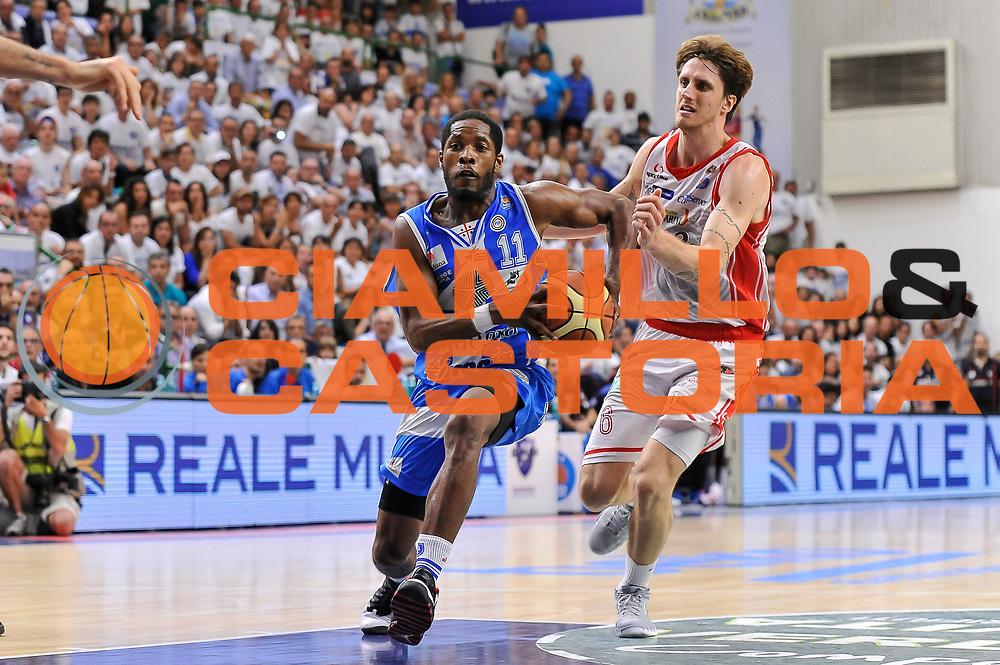 DESCRIZIONE : Campionato 2014/15 Serie A Beko Dinamo Banco di Sardegna Sassari - Grissin Bon Reggio Emilia Finale Playoff Gara6<br /> GIOCATORE : Jerome Dyson<br /> CATEGORIA : Penetrazione<br /> SQUADRA : Dinamo Banco di Sardegna Sassari<br /> EVENTO : LegaBasket Serie A Beko 2014/2015<br /> GARA : Dinamo Banco di Sardegna Sassari - Grissin Bon Reggio Emilia Finale Playoff Gara6<br /> DATA : 24/06/2015<br /> SPORT : Pallacanestro <br /> AUTORE : Agenzia Ciamillo-Castoria/C.Atzori
